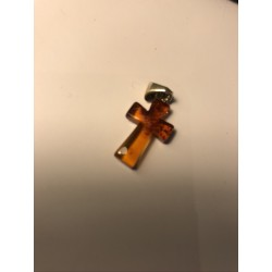 Pendentif Croix en Ambre